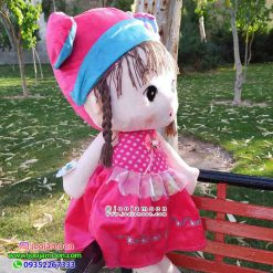 دختر کلاه پاپیونی