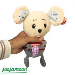 عروسک موش شکلات به دست