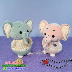 عروسک فیل دست به جیب